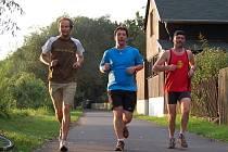 Martin Klimeš absolvoval svých prvních patnáct kilometrů. Čeká ho ale ještě o šest víc.