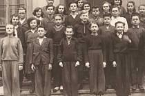 Školáci z Velkého Března v 50. letech.