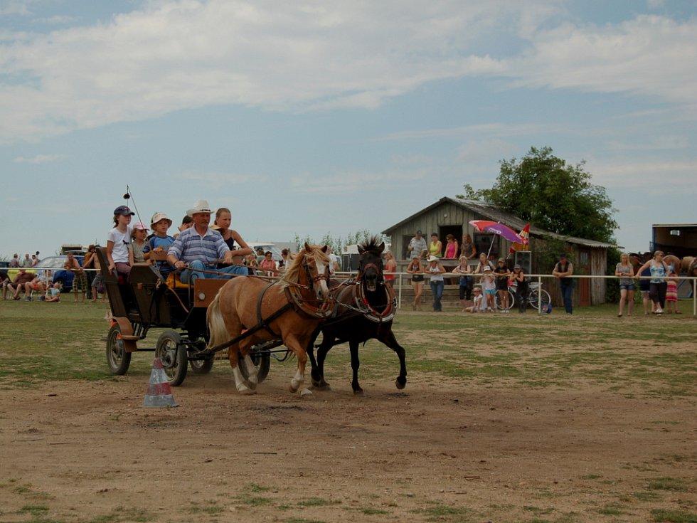 Na Pecharově ranči proběhne druhý den oslav.