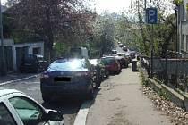 Na neúnosnou dopravní situaci v Koněvově ulici nad ústeckou poliklinikou upozornil Miroslav Florian.