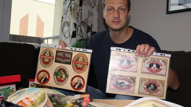 Sběratel Hynek Troutnar sbírá cenné etikety celý život.