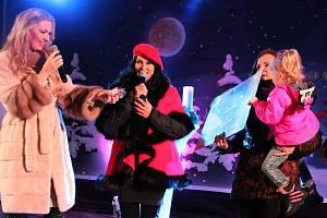 Benefiční koncert na ústeckém Lidickém náměstí pro nemocnou Leonku