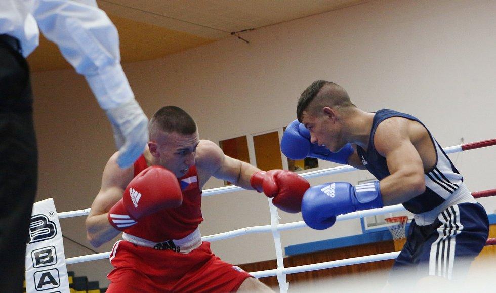 V Ústí se rvou boxeři z celého světa, dorazil i olympijský medailista z Ria Harutjunjanen.