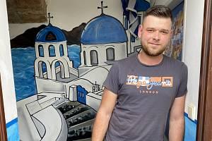 Jan Řezníček a jeho řecká taverna Athina.