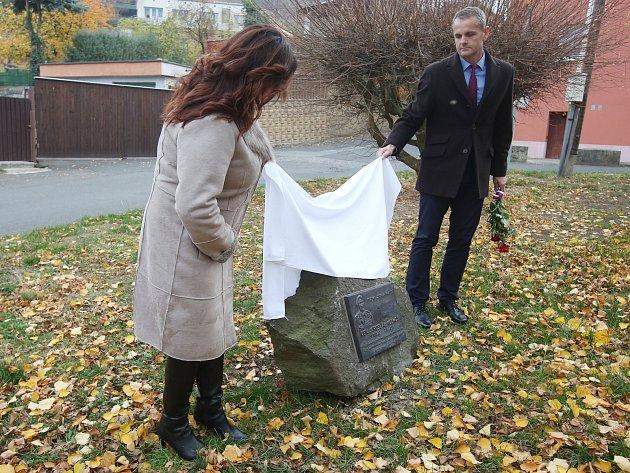 Rovnou dvě pamětní desky tento týden město Ústí a muzeum nainstalovaly v Brné.