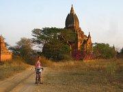 Ústečtí cyklocestovatelé na cestě kolem světa projeli Myanmar a zamířili do Thajska.