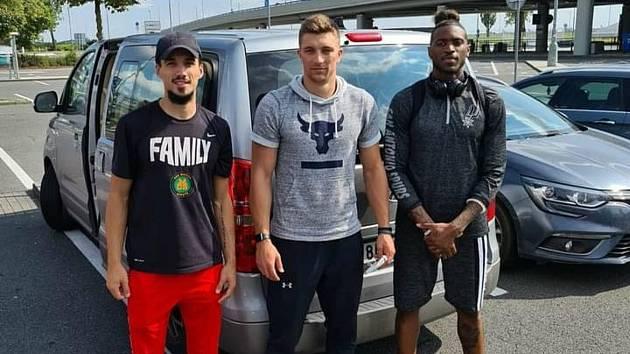 Ústečtí basketbalisté DJ Hanes, Spencer Svejcar a Lamb Autrey dorazili jako první Američané pro ročník KNBL 2020/21 do České republiky.