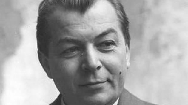 Na snímku je československý spisovatel Ladislav Grosman, podle jehož novely Obchod na korze natočili Jan Kádár a Elmar Klos stejnojmenné drama, které dostalo v roce 1966 filmového Oscara.