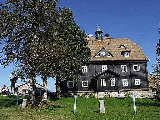 Jizerka: památková rezervace a ráj drahokamů.