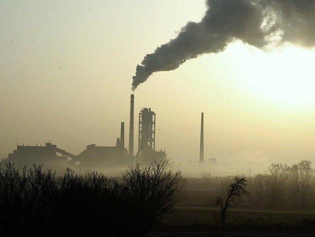 Čížkovická cementárna. Právě tam spalují kaly z ostravských lagun.