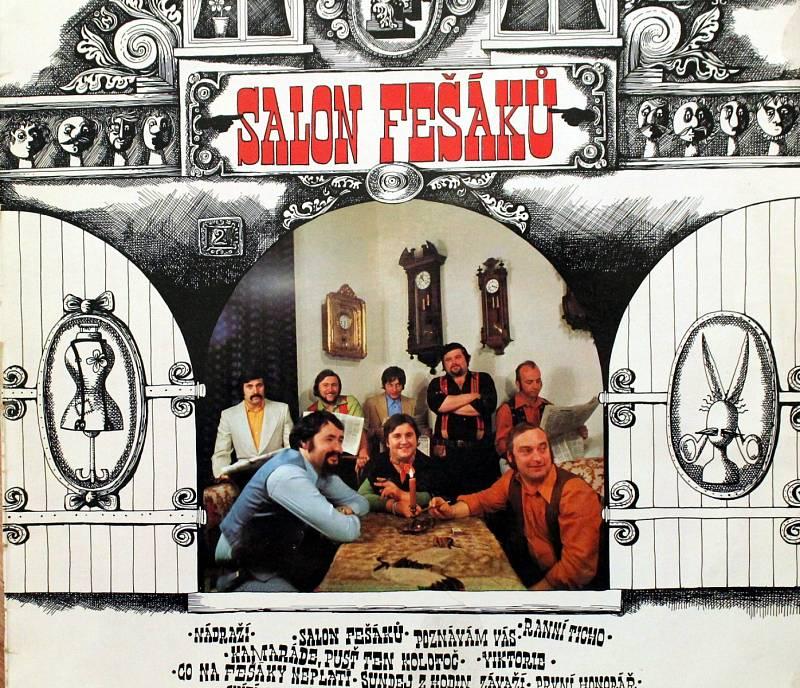 Robert Moucha ze skupiny Fešáci oslavil 80. Přebal alba Salon Fešáků z roku 1978.
