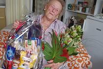 Anna Stejskalová ze Severní Terasy oslavila 102. narozeniny.