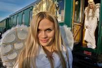 Vlak s anděly. Ilustrační foto.
