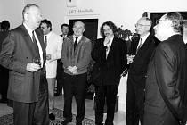Ministr Milan Uhde v ústeckém interhotelu Vladimir. Zprava Josef Jílek, ministr Karel Dyba a poslanec František Kozel.