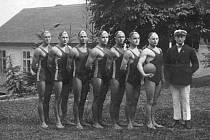 Roudničtí vodní pólisté v roce 1924.