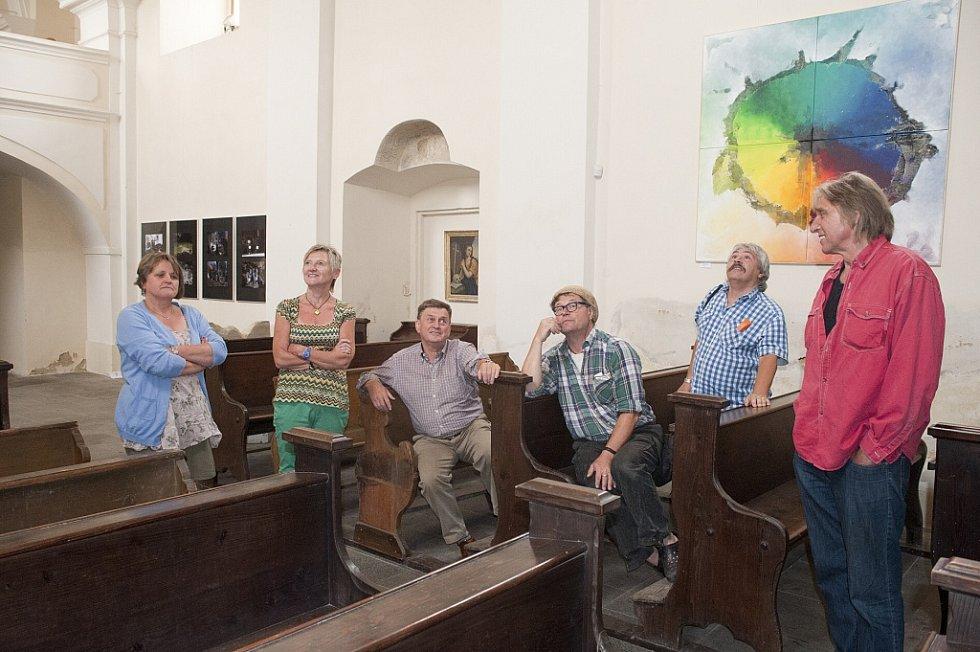 Návštěvníci z Bavorska si se zájmem výstavu prohlédli.