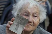 Pamětníci vzdali hold obětem bombardování.