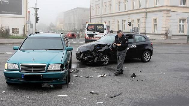 Na světelné křižovatce ulic Brněnská a Panská v centru Ústí nad Labem se stala nehoda