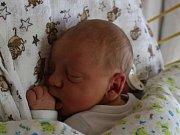 Jiří Schuster se narodil v ústecké porodnici 5.3. 2017 (10.35) Marcele Schusterové. Měřil 52 cm, vážil 3,97 kg.