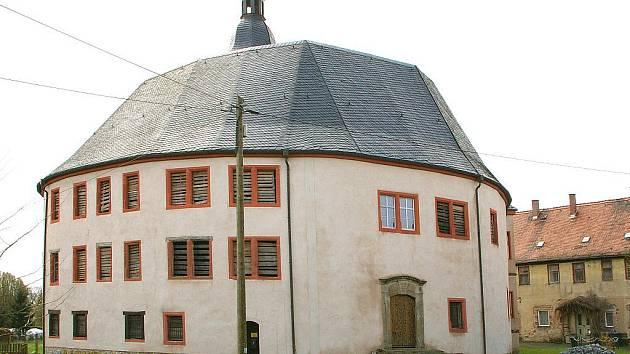 Zámek v Oberpöllnitz prošel za staletí mnoha přestavbami
