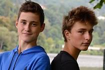 Ústečtí skifaři Tadeáš (vlevo) a Adam zabodovali na mezinárodní veslařské regatě v rakouském Villachu.