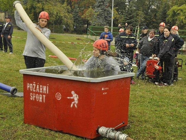 V Chlumci ostaví hasiči svatého Floriána soutěží. Ilustrační foto.