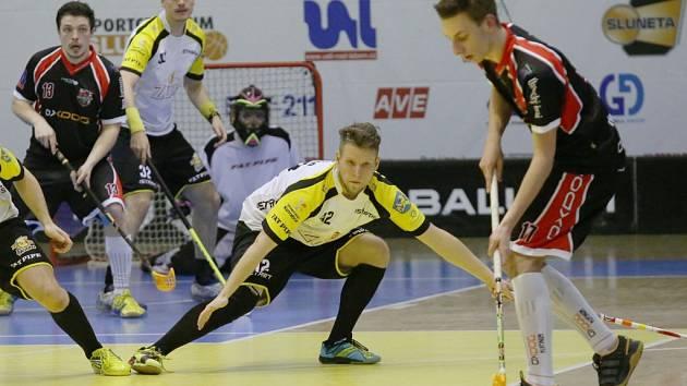 Florbalisté Ústí prohrávali v Liberci už 2:5, ale čtyřmi góly ve třetím dějství otočili skóre a dál vedou 1. ligu.