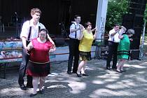 Handicapovaní The Tap Tap roztančili klienty ústavů.