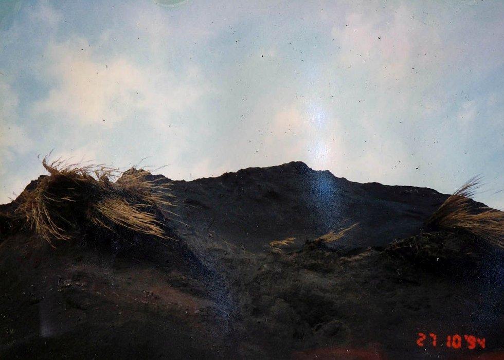 Dnes již unikátní snímky radešínské výsypky před sanací pocházejí z roku 1994. Naskenoval je jejich autor Petr Myčka poté, co se mu je podařilo zachránit po velkém požáru kanceláře.