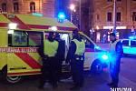 Strážníci nalezli muže, který chtěl spáchat sebevraždu a předali ho zdravotníkům.