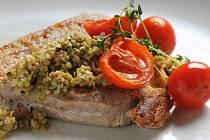 Steak z tuňáka.