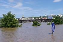 Voda na Střekově, středa 5. června 2013.
