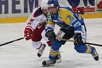 Útočník Jan Kloz se stal na ledě Tábora hrdinou utkání, když rozhodl o výhře Lvů gólem v prodloužení.