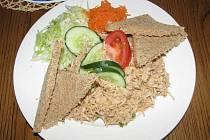 V restauraci Sport Pub na zimním stadionu se vařilo podle čtenářů Ústeckého deníku. Celerový salát s kuřecím masem měl u strávníků úspěch.