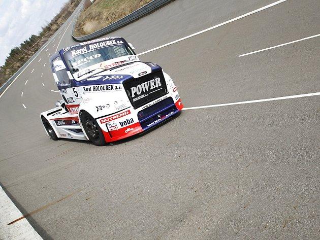 David Vršecký sBuggyrou dokázal překonat hned tři světové rychlostní truckové rekordy - na 100km, 100mil a hodinovku.