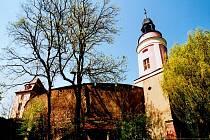 """Zámek Wolkenburg se nalézá v tzv. """"údolí hradů"""", kde lze navštívit sedm hradů a zámků."""