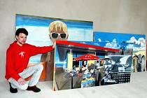 Obrazy studentů jsou k vidění v galerii komplexu.