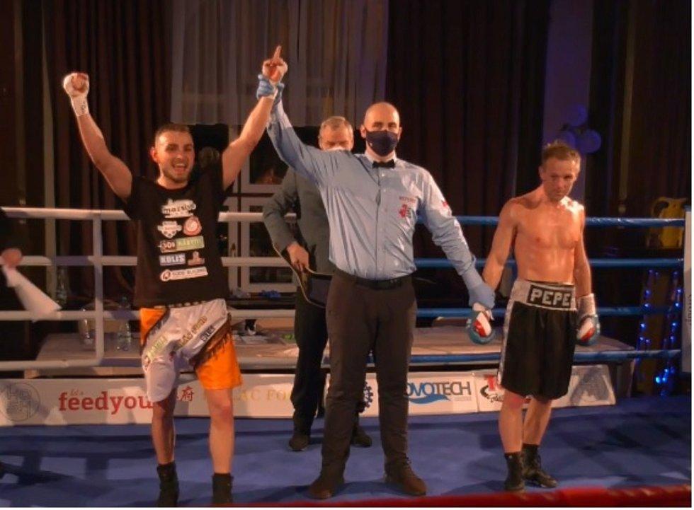 Erik Agateljan vybojoval na Save Boxing v Ústí nad Labem titul mistra ČR v superlehké váze.