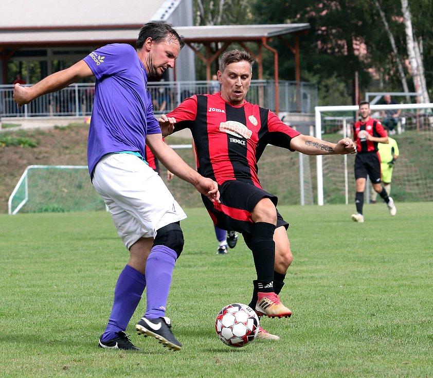 Utkání Přestanova (fialovo-bílí) proti MSK Trmice (červenočerní) skončilo remízou 2:2,, po penaltách získal bod navíc Přestanov. Hráno na stadionu v Trmicích.