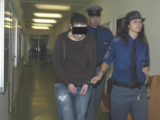 Před soudem stojí vražedkyně Marsila Zahradníková