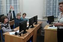 Žáci základní školy v Brné před začátkem testů. Nervozita na nich znát nebyla.