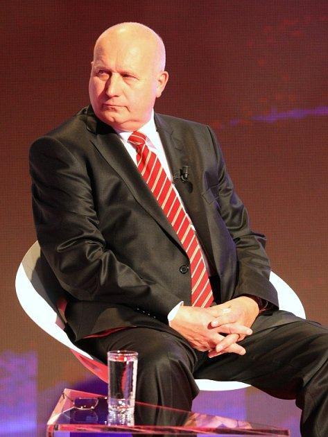 Oldrich Bubenícek (KSČM).