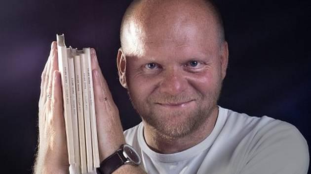Spisovatel Pavel Brycz.