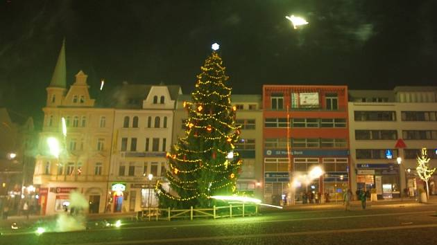 Vítání nového roku 2013 na Mírovém náměstí v Ústí nad Labem.
