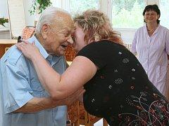 Tak to nějak přišlo. Těmito slovy komentoval svůj požehnaný věk 101letý Ústečan Jindřich Biňas.