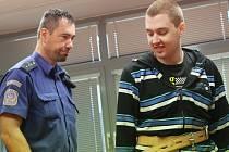 Obžalovaný Pavel Kapic (1993) z Bíliny u krajského soudu.