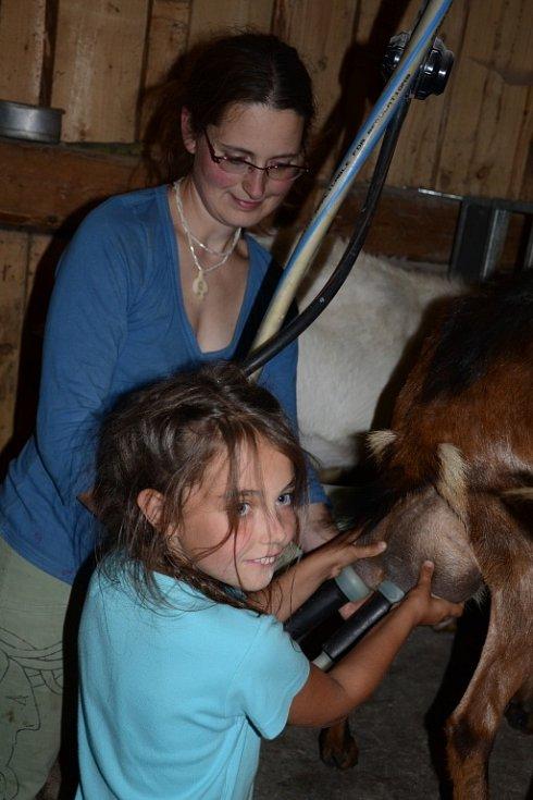 Děti vyrazily na kozí farmu do Merboltic.