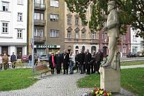 Občané krajské metropole a ústečtí politici si připomněli u sochy prvního Československého prezidenta Tomáše Garrigua Masaryka jednadevadesáté výročí vzniku samostatného státu.