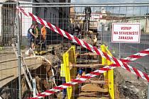 Oprava kanalizace v Předlicích.