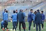 Na prvním tréninku zimní přípravy 2018 se trenérovi Aleši Křečkovi sešlo 23 z 25 hráčů současného kádru. Foto: FK Ústí nad Labem